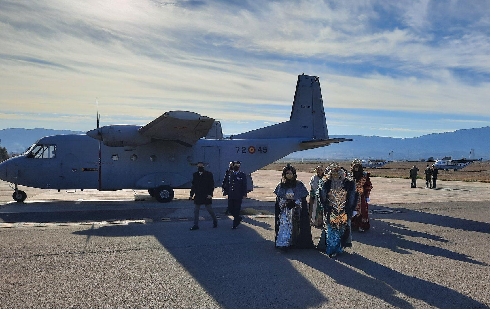 2021-Reyes-Magos-avion-2