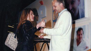 Photo of Que quede entre nos. Miguel Bosé firmando autógrafos en Murcia (1996)