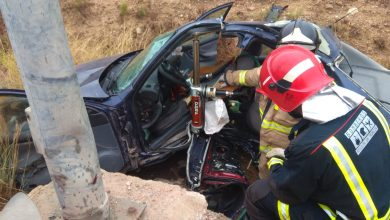 Photo of Los bomberos tienen que rescatar al ocupante de un coche accidentado en Javalí Nuevo
