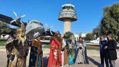 Photo of Los Reyes Magos aterrizan en la Base Aérea y recorren los barrios de Alcantarilla