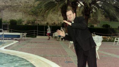 Photo of Que quede entre nos. El padre Apeles, en el Balneario de Archena (años 90)