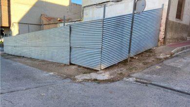 Photo of Somos Región denuncia la inexistencia de aceras junto a solares en Camino de los Romanos y calle Argentina