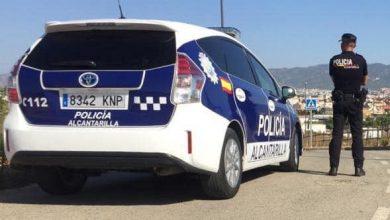 Photo of Un policía fuera de servicio retiene a un hombre ebrio para que no condujese su vehículo