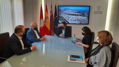 Photo of Empresarios del Polígono y Ayuntamiento renuevan su convenio para invertir 30.000 euros en mejoras