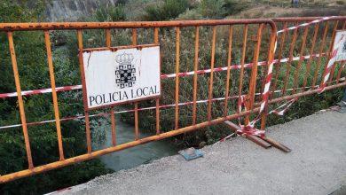 Photo of El puente de Javalí Nuevo sobre el río lleva dos meses sin un tramo de barandilla
